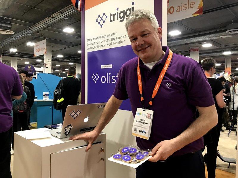 Arjen Noorbergen van Olisto met stroopwafels op de CES