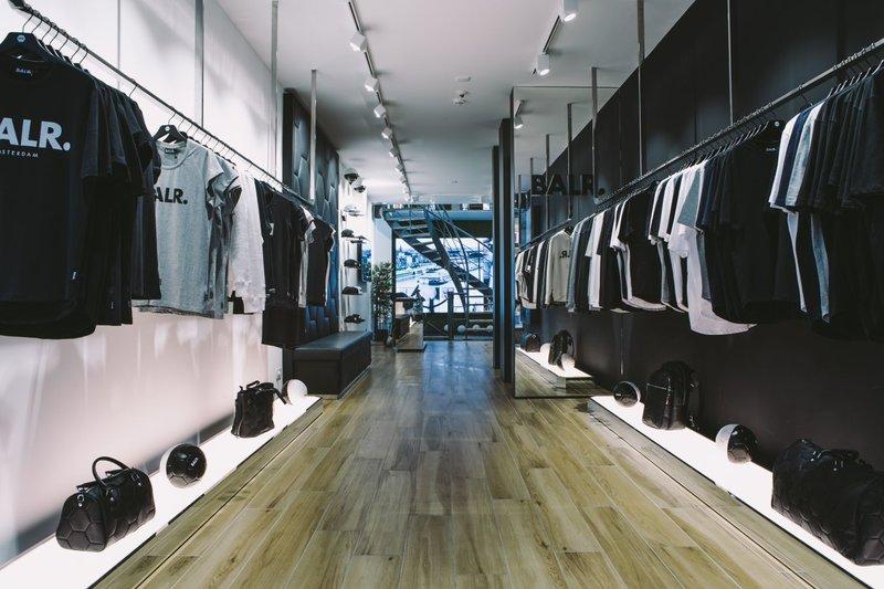 BALR. heeft ook fysieke winkels