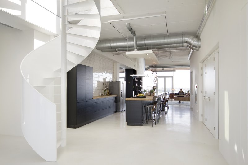 The office 39 boetiekhotel 39 met uitzicht op het ij van brandbase sprout - Kantoor lijnen ...
