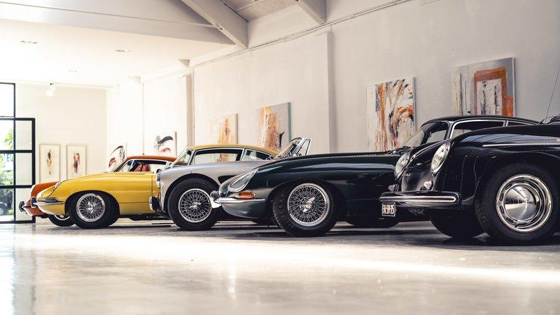 Ondernemer Robbert Buijs handelt met de Cool Classic Club in klassieke auto's