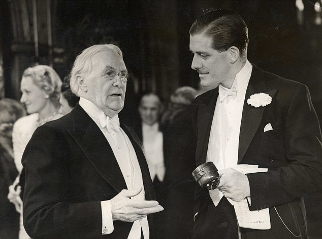 Harry Selfridge (rechts)