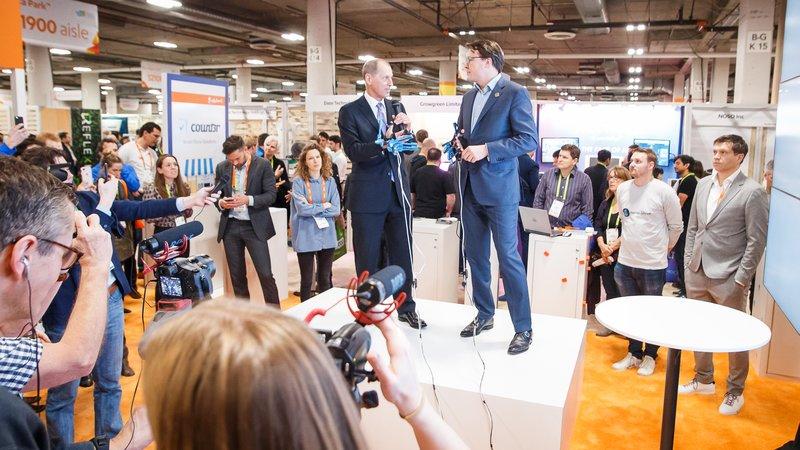 Gary Shapiro en Prins Constantijn op de CES in Las Vegas
