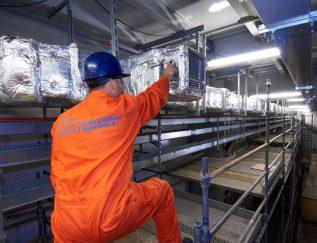 CEO: Joep Hopman Plaats: Bunschoten/Spakenburg Omzet 2016: 291miljoen euro Gemiddelde groei (2012-2016):9,2% Gemiddelde EBIT (2012-2016):4,8% FTE: 1.604 Heinen & Hopmanis een specialist in maritieme airconditioning, centrale verwarming, mechanische ventilatie, brandbeveiliging en milieusystemen.