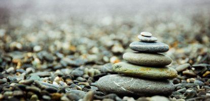stones-801756_1280 (640x337).jpg