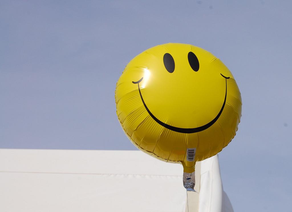 gelukkige werknemers tips om goede medewerkers vast te houden