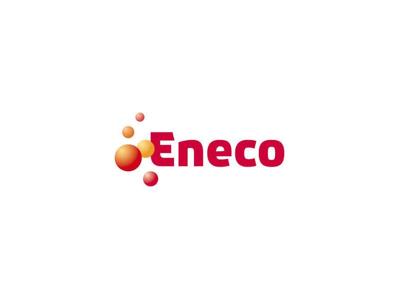 CEO: Jeroen de Haas Tussen energiebedrijf Eneco nu en Eneco een jaar geleden zit een wereld van verschil. Per 1 februari 2017 heeft het bedrijf netwerkbedrijf Stedin en infraspecialist Joulz afgesplitst. Wat over is gebleven, is een commercieel bedrijf dat zich bezighoudt met productie, levering en handel in energie. Eneco te koop Vorig jaar haalde het energiebedrijf een omzet van 2,7 miljard euro. Eneco is een van de drie grootste energieleveranciers van Nederland en de enige die nog Nederlands is. Vraag is alleen hoe lang nog. De gemeente Rotterdam, die grootaandeelhouder is, kondigde aan de aandelen te willen verkopen. Eneco zet sterk in op duurzame energie. In 2016 steeg de duurzame productiecapaciteit naar 2.054 MW en werden er maar liefst 271.000 slimme meter geïnstalleerd.