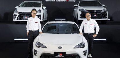 1.De concurrentie gaat elektrisch, Toyota blijft investeren in hybride Topman Akio Toyoda van de Japanse automaker meldt dat er wel een elektrische auto aankomt, maar dat het bedrijf er niet volledig op in wil zetten. Toyoda geeft toe dat Toyota wat laat is met een volledig elektrische auto, maar hij zegt ook dat hij vindt dat zijn bedrijf realistische keuzes moet blijven maken. De CEO van 's werelds grootste autofabrikant zegt de consument een volledig aanbod te willen blijven bieden, en dat de consument uiteindelijk kiest welke techniek het meest succesvol zal blijken. 2.Jeroen Dijsselbloem wordt lid van FNV om looneis kracht bij te zetten Een centraal thema tijdens prinsjesdag was de vraag wanneer werknemers de economische voorspoed terugzien in hun portemonnee. Minister van Financiën Jeroen Dijsselbloem zei dinsdag tegenover journalisten van het FD: 'Er zit een structureel probleem onder dat we er niet in slagen om reële koopkrachtwinst te realiseren. Ik geloof dat al sinds 2001 de reëel beschikbare inkomens in Nederland nauwelijks zijn verbeterd.' Volgens hem zit het het 'vet' in de economie nu op de botten van 'het grootbedrijf en het middenbedrijf, niet bij de huishoudens en de overheid'. Om zijn eis kracht bij te zetten is Dijsselbloem lid geworden van vakbond FNV. 3.Ondernemingsraad ThyssenKrupp matigt toon in verzet fusie Tata Steel Or-voorzitter Wilhelm Segerath, een fel tegenstander van het fusieplan met Tata Steel Europe, heeft plotseling zijn toon gematigd. 'We zullen het onderzoeken en als uiteindelijk aan onze voorwaarden wordt voldaan en de divisie schuldenvrij is, dan is er een mogelijkheid', zei Segerath dinsdag tegen diverse media over het fusieplan. Hij meldt nog wel dat de onderhandelingen moeilijk worden. Het DuitseThyssenkrupp en het Indiase moederbedrijf van Tata Steel Europepraten al anderhalf jaar over een fusie, die het op een na grootste staalbedrijf van Europa moet opleveren. 4. Aandelen Tesla dalen na waarschuwing analist De aandelen i