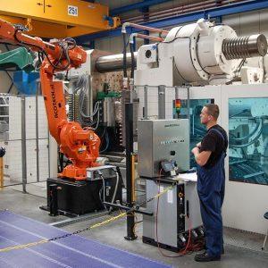 CEO: Hazeleger Plaats: Ede Omzet 2016: 57miljoen euro Gemiddelde groei (2012-2016):4,4% Gemiddelde EBIT (2012-2016):12,9% FTE: 277 De HSV Group bestaat uit twee zelfstandige ondernemingen HSV Moulded Foams Group NV (MFG) en HSV Technical Moulded Parts NV (TMP). HSV MFG is al meer dan 40 jaar toonaangevend in de verwerking van expandeerbare kunststoffen, de zogenaamde partikelschuimen. Met werkmaatschappijen in Nederland, Duitsland, Polen en Tsjechië produceert HSV matrijsgevormde producten uit bijvoorbeeld EPS, EPP en EPE en vele technische varianten. Tot de klantenkring behoren zowel vooraanstaande multinationale ondernemingen uit de witgoed-, de electronica-, apparatenindustrie, automotive en bouw als vele middelgrote bedrijven die voor een maatproduct bij HSV aan het juiste adres zijn. HSV TMP behoort al bijna 30 jaar tot de HSV Group. Met als specialiteit het leveren van grote kunststof onderdelen in kleine tot middelgrote series aan grote ondernemingen, in het algemeen apparatenbouwers. Onderdelen zoals complete kunststof behuizingen in thermoplastische kunststoffen voor ventilatoren, laboratoriumapparatuur, medische apparaten en dergelijke vormen de ruggengraat van het succes van HSV TMP. Continue innovatie en investeringen binnen hun specialisme heeft er voor zorggedragen dat HSV TMP de afgelopen jaren stevig gegroeid is en op deze competitieve markt een vaste plaats verworven heeft binnen de Europese markt.