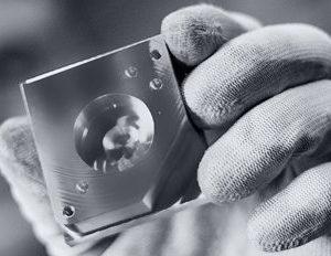 CEO: Eric Lamkin Plaats:Venlo Omzet 2016: 68.952 miljoen Gemiddelde groei (2012-2016): 23,4% Gemiddelde EBIT (2012-2016): 2,5% FTE:408 Eurotech Group is een producent van aluminium producten onder andere zandgegoten aluminium onderdelen. Autobouwers, steeds meer grootverbruikers van het lichte metaal, zijn vanzelfsprekend belangrijke afnemers, maar de producten vinden ook aftrek bij producenten van medische apparatuur zoals Philips. Het bedrijf heeft behalve in Limburg ook vestigingen in Duitsland en Tsjechië.