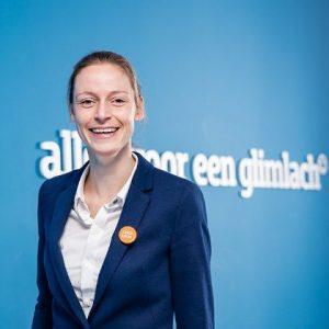 Bouwjaar 1985 Is CFO Coolblue Goudhaan in 2017 Opleiding International management (Erasmus Universiteit Rotterdam) Daphne Smit is één van de jongste Goudhaantjes in de lijst. In 2010 kwam ze bij de Rabobank binnen als corporate management trainee, waarna ze zich opwerkte tot kredietanalist. Na vier jaar verruilde ze de bankwereld voor die van de online retail. Bij Coolblue zit ze nu als cfo in de directie met Jasper Hoogeweegen, Maarten Keller en beginbaas Pieter Zwart. Gaat het zo door? Dan kan Smit een prestatie van formaat op haar conto schrijven: aartsconcurrent Bol.com voorbijstreven.