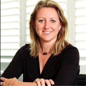 """Bouwjaar 1974 Is CFO en penningmeester, ANWB Goudhaan in 2014, 2015, 2016 en 2017 Opleiding International business (Universiteit Maastricht), Advanced management program (Harvard Business School) Lidwien Suuris een Goudhaan uit het talentvolle ING-klasje van eind jaren 90. Ze lijkt voor financiën in de wieg gelegd. """"Van mooie financiële analyses en planningen kan ik écht genieten"""", vertelde ze aan ons. Het beslissende moment in haar carrière noemt ze haar benoeming als CEO van Unigarant. """"Daarmee kreeg ik het vertrouwen om aan 500 man leiding te geven."""""""