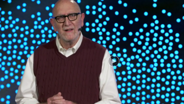 Je bent nooit te oud om jezelf opnieuw uit te vinden. Neem deze levensles aan van Paul Tasner, die besloot voor zichzelf te beginnen op 66-jarige leeftijd. Nadat hij 40 jaar voor anderen had gewerkt, besloot hij zijn entrepreneur-mentaliteit de vrije loop te laten, met start-up PulpWorks als gevolg. In deze TED-talk deelt hij zijn grappige en inspirerende verhaal.