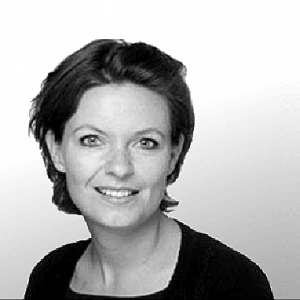 Bouwjaar 1982 Is CCO Marktplaats Goudhaan in 2017 Opleiding Marketing aan de Universiteit van Groningen Annemarie Buitelaar begint haar carrière bij KPN. Daar bekleedt ze verschillende marketing- en communicatiefuncties. Dat doet ze vervolgens ook bij dochterbedrijf en online only provider Simyo, waar ze ontdekt dat ze verder wil in de online business. Ze komt bij Marktplaats terecht, in eerste instantie als marketingmanager, maar al snel krijgt ze een paar eigen projecten onder zich. Zo wordt ze directeur van Marktplaats AdMarkts: een advertentiedienst die ondernemers helpt succesvol te worden op Marktplaats. Vanaf dat moment gaat het snel. Ze gaat aan de slag als general manager voor een Belgische website van eBay, maar na twee jaar kaapt Marktplaats haar terug. Ze wordt CCO. 'Hoewel er in België nog genoeg te doen was, heb ik deze kans gepakt. Het gaf me een aantal nieuwe uitdagingen. Ik kreeg bijvoorbeeld een grotere omzetverantwoordelijkheid en mocht zelf een goed team samenstellen.' Buitelaar is trots op het feit dat ze vaak uit haar comfortzone is gestapt: 'Je moet jezelf continu blijven ontwikkelen en uitdagen.'