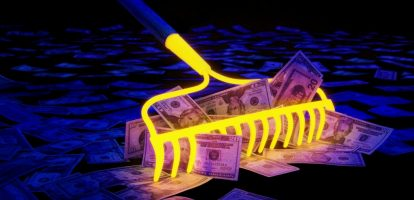 1. Controle 4.000 belastingdeals na Paradise Papers Nieuwe staatssecretaris Menno Snel (Financien) heeft opdracht gegeven om 4.000 belastingdeals tussen de Belastingdienst en multinationals te controleren op procedurefouten. MT schreef gisteren al dat dat de staatssecretaris in een brief aan de Tweede Kamer liet weten dat de belastingdeal met wasmiddelenbedrijf Proctor & Gamble niet door de beugel kan. De controlerende maatregel is onderdeel van het centraal vastleggen van dit soort belastingdeals in de hele Europese Unie. Dit moet voor 1 januari 2018 gebeuren. 2. Oud-hoofdeconoom ECB vreest voor splitsing eurozone Laat de eurozone nog meer landen toe, dan 'dood je de euro'. Dat zegt de Duitse econoom Jurgen Stark tegen het FD. Hij is niet zozeer bang dat de eurozone uit elkaar zal vallen, maar meer dat er een scheiding tussen Noord en Zuid zal komen. Stark denkt dat Mario Draghi, president van de Europese Centrale Bank, het ruime monetair beleid dan zal blijven aanhouden. Bovendien lost het de huidige problemen niet op als er nog meer landen toetreden, zo redeneert de econoom. Stark was tot 2011 hoofdeconoom bij de ECB, maar stapte op uit protest tegen het opkopen van Spaande en Italiaanse staatsobligaties. 3. Stopzetten House of Cards-serie rampzalig voor economie Baltimore Een tv-show met een enorme positieve impact op de economie in in een stad: het kan. De populaire hitserie House of Cards wordt al vijf seizoenen gefilmd in Baltimore, een stad in de Amerikaanse staat Maryland. Er wordt voor de serie aan miljoenen gespendeerd in en rondom de stad, voor figuranten, technici en acteurs. Daarnaast wordt er gebruik gemaakt van 2.000 bedrijven in de stad, voor onder meer catering en kleding. Door de serie is de stad ook immens populair geworden bij toeristen, die graag door hetzelfde park wandelen als 'president Frank Underwood' (Kevin Spacey). Door het aanrandingsschandaal rondom de acteur ligt het zesde seizoen nu echter stil. Pittig voor de lokale bevolking, sommi