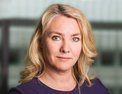 Voormalig minister van Infrastructuur Melanie Schultz Van Haegen gaat aan de slag als CEO van Porticus, de organisatie die goede doelen steunt namens de familie Brenninkmeijer, bekend van modeketen C&A. Een profiel van de nieuwe CEO.