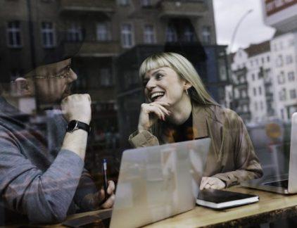 Vanwege de digitalisering denken veel mensen opnieuw na over de invulling van hun werk. Vooral jonge ondernemers doen dit op een eigen manier en passen zich snel aan.