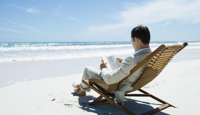 Met je team naar het buitenland om daar een weekje in de zon te werken: een workation klinkt leuk, maar er zijn nogal wat haken en ogen. Josje Karg van leerplatform Springest, die dit jaar voor de tweede keer gaan, geeft tips.