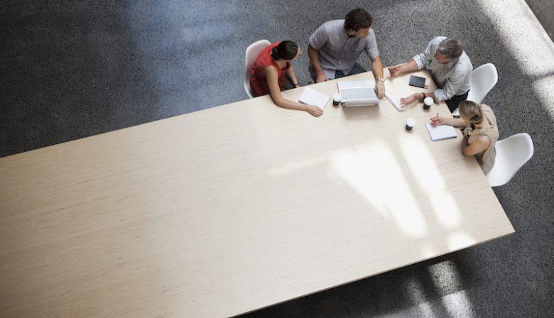 Meer uren in je werk stoppen staat niet automatisch aan betere resultaten, toont de Engelse wetenschapper Morten Hansen aan met een grootschalig onderzoek. Na 5000 managers en medewerkers te hebben onderzocht bundelde hij 7 inzichten in zijn nieuwe boek Great at Work.