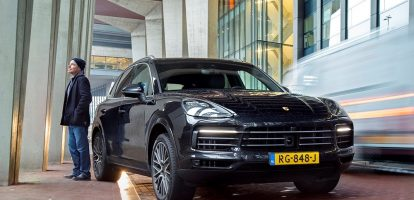 MT-autoredacteur Philip Bueters wordt warm van veel auto's. Maar ook de nieuwe Porsche Cayenne S? Voor het nieuwe magazine testte Philip deze 'vaandeldrager'.