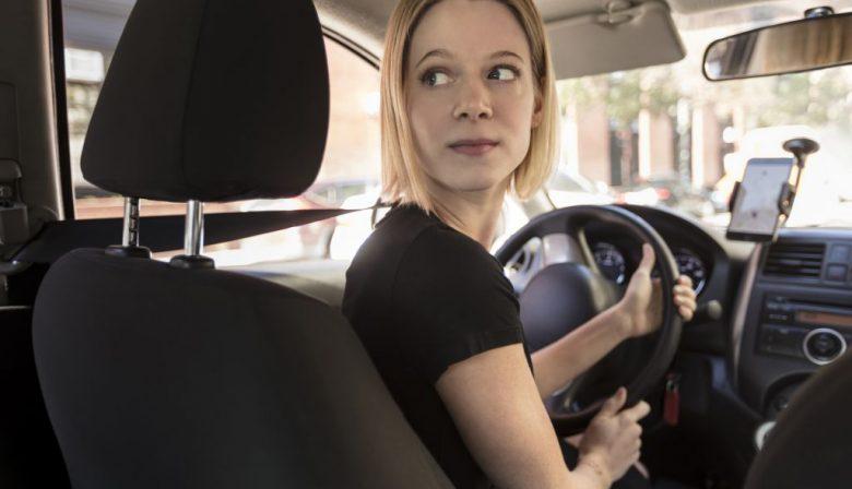 Mannelijke chauffeurs verdienen bij Uber 7 procent meer dan vrouwen