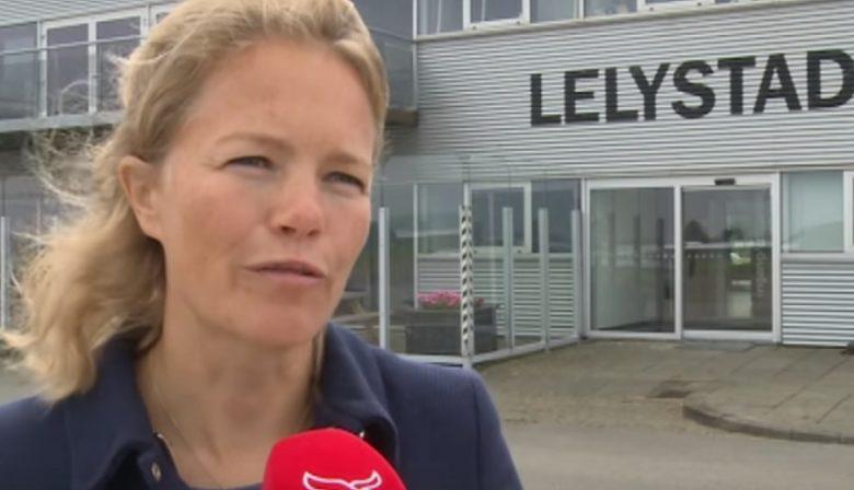 De geplande opening van de uitbreiding van Lelystad Airport is opgeschort. Er is veel discussie over de uitbreiding, dat uiteindelijk ook uitbreiding voor Schiphol moet opleveren. Aan het hoofd van het vliegveld staat Hanne Buis, wie is zij?