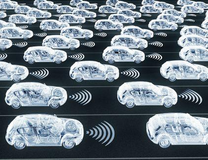 De zelfrijdende auto is nog niet zo dichtbij als we denken, stelt autojournalist Erwin Wijman. Want zo zelfrijdend zijn de auto's namelijk niet.