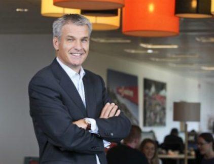 VodafoneZiggo moet het kabelnetwerk delen om te voorkomen dat de Nederlandse markt bestaat uit twee grote spelers voor televisie, internet en telefonie. Een profiel van CEO Jeroen Hoencamp.