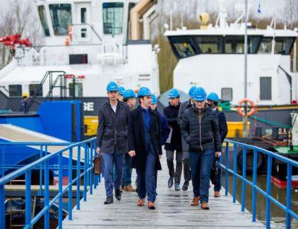 De economie mag dan weer booming zijn, banken blijven terughoudend met het verstrekken van krediet. Damen Shipyard ontzorgt zijn klanten met een brede waaier aan customer finance-oplossingen.