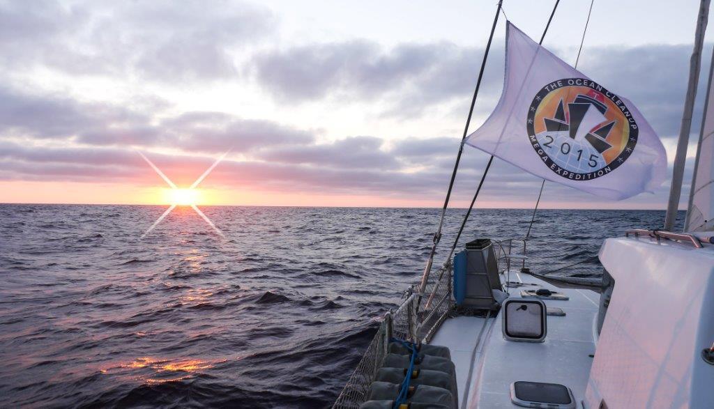 iDEAL QR collecteren doneren The Ocean Cleanup