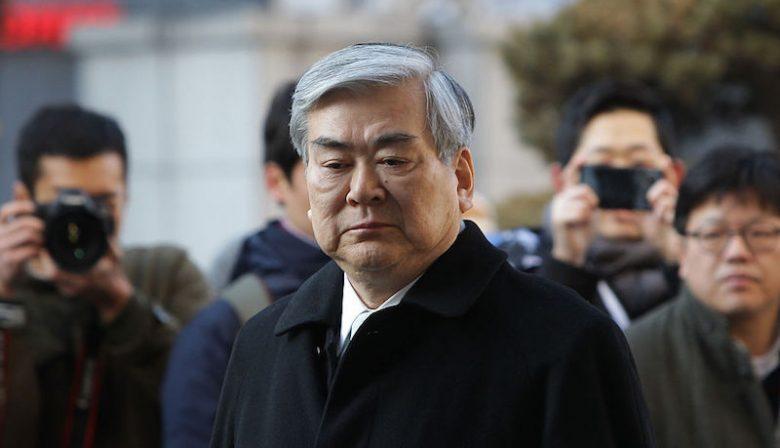 Het Zuid-Koreaanse Korean Airlines wordt onderzocht op verdenking van verduistering en belastingontduiking. Een profiel van CEO en pater familias Cho Yang-ho.