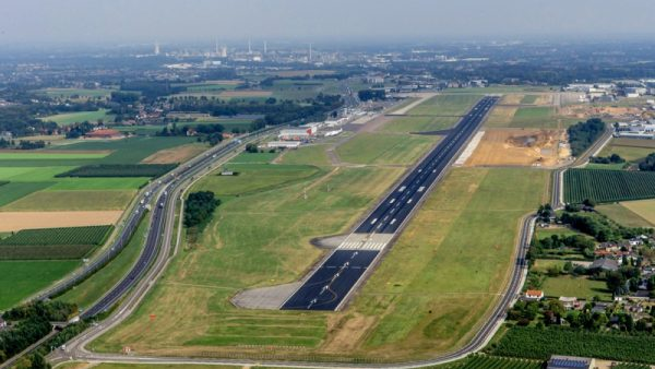 Landingsbaan Maastricht Aachen Airport Jos Roeven MT