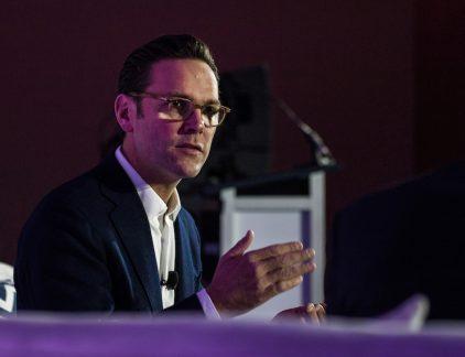 James Murdoch wordt genoemd als nieuwe voorzitter van Tesla, nadat Elon Musk af moest zien van de functie van de Amerikaanse toezichthouder SEC. Een profiel van de mogelijke opvolger.