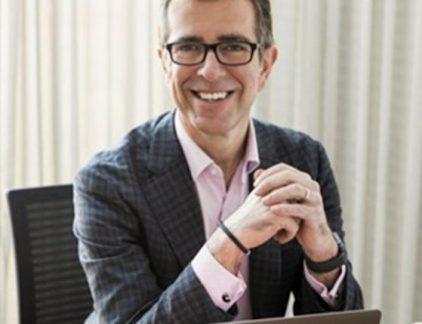 Na in 2015 het bedrijf gekocht te hebben, zet de Britse investeringsmaatschappij Apax het softwarebedrijf Exact in de verkoop. Een profiel van CEO Phill Robinson.