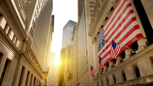 Waar een burn-out in Nederland bijna normaal geworden lijkt, heerst in Amerika nog steeds een groot taboe om opgebrand te raken. Burn-out expert Mascha Mooy doet onderzoek naar het fenomeen op Wall Street en in Silicon Valley.