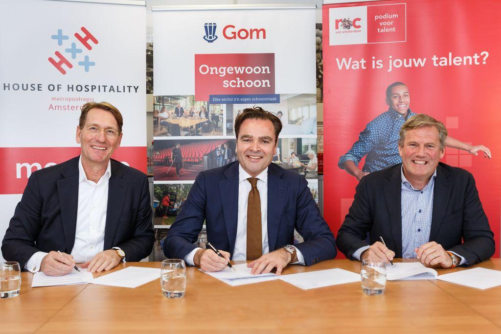 PB Gom en Axxicom Airport Caddy gaan Amsterdam gastvrijer maken