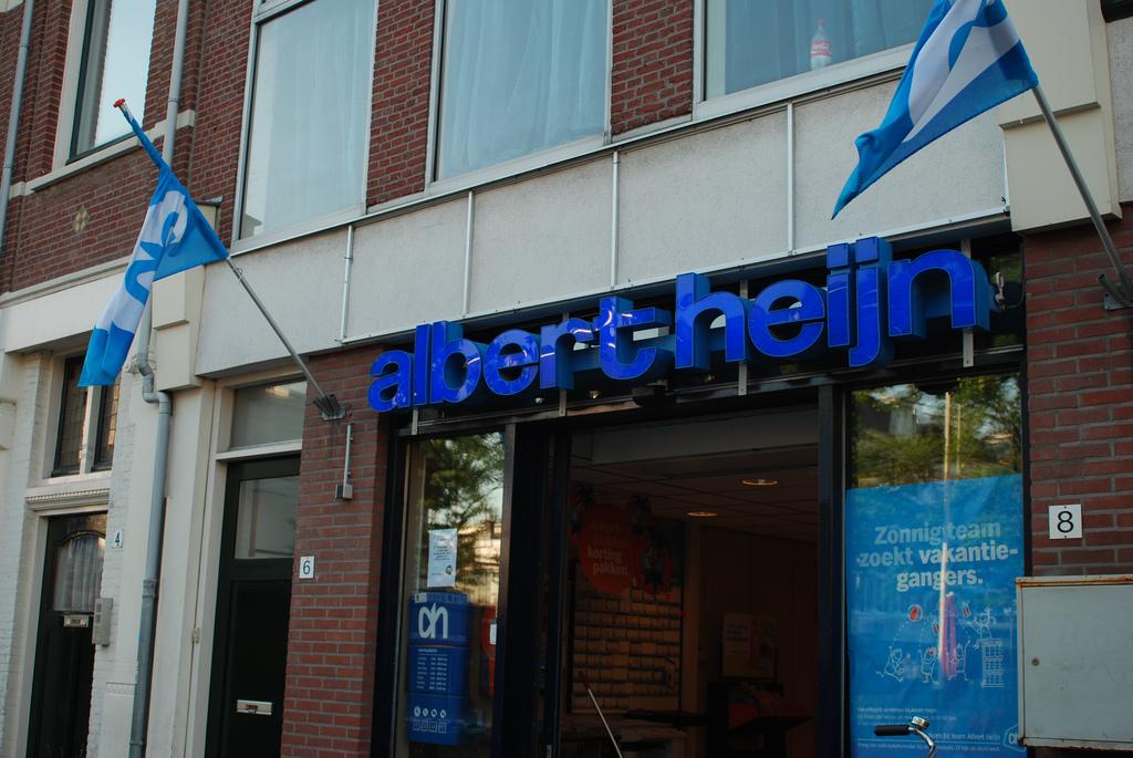 En verder: Accenture CEO stopt vanwege gezondheidsproblemen; Consumentenbond begint rechtszaak tegen KLM en Shell wil samen met PGGM energiebedrijf Eneco overnemen.