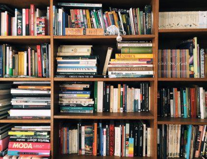 Management Team maakt elke maand selectie van de nieuwe managementboeken die er toe doen. Met deze aflevering: digitaal minimaliseren volgens de experts en zo zeg je vaker nee op kantoor.