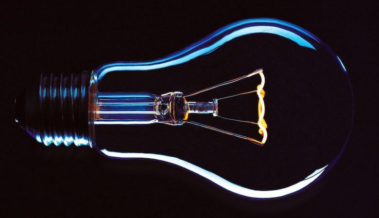 Veel innovatieve bedrijven laten hun werknemers zelf ideeën genereren. Enerzijds een goede insteek; want niemand heeft meer expertise. Anderzijds een valkuil: mensen neigen hun eigen ideeën te overschatten. Hoe voorkomen we dit?
