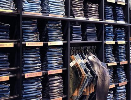 Jeans Centre wolf in jeanskleren