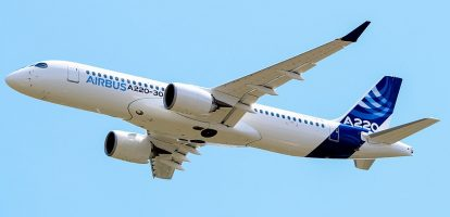 Airbus A220 in de lucht