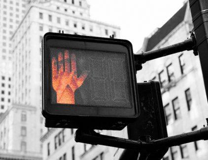 Wie constant ja zegt tegen alles wat er gevraagd wordt, zal nauwelijks aan zijn eigen taken toekomen. Voor wie anderzijds niet onbeleefd over wil komen, heeft organisatiepsycholoog Adam Grant zes tactieken.