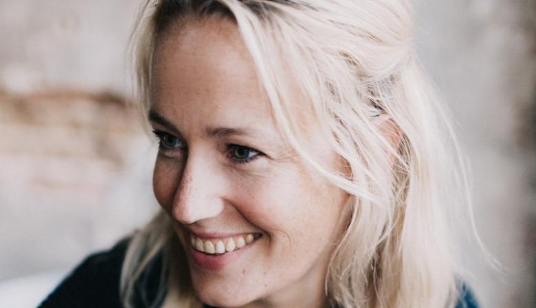 Als nieuwe CMO van KFC Northern Europe heeft Trix van der Vleuten grote plannen met de fastfoodketen. 'Iedereen heeft een verhaal bij het bedrijf, maar die komen nu nog niet uit de verf.' Wat vraagt dat van haar als leider?