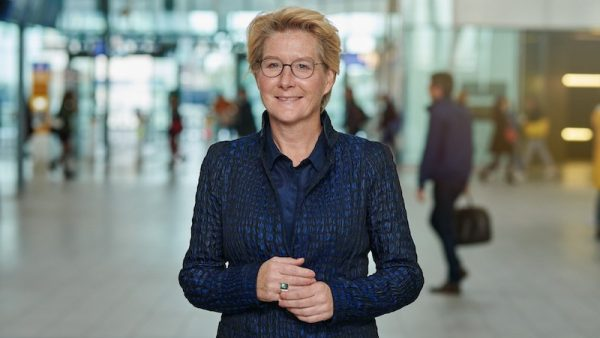 Anneke de Vries NS