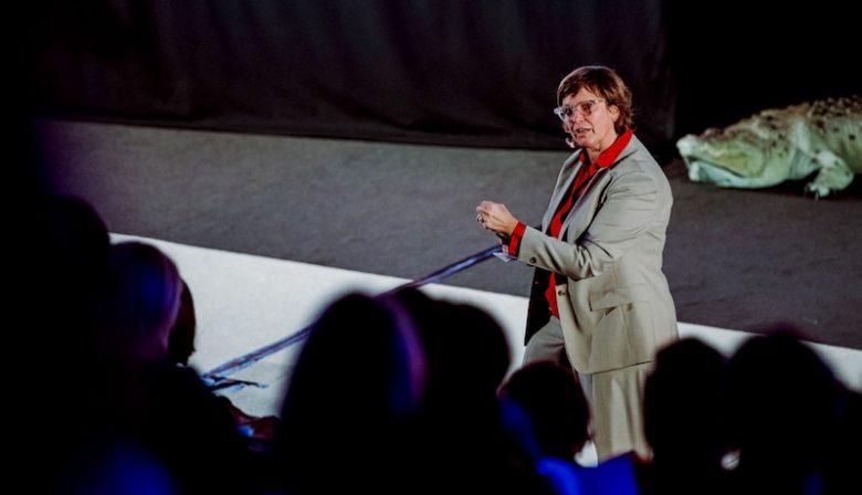 Ook grote bedrijven als Microsoft hebben last van de huidige war on talent. Aan Elke Jorens, Chief Talent Acquisition EMEA de taak om tóch het juiste personeel op te sporen. Twee hoofdingrediënten: scholing en data. met behulp van scholing en data