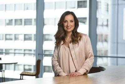 Wat vraagt het van jou om een goede manager te zijn? Om nieuwe managers te helpen met die vraag, richt softwarebedrijf Salesforce een intern beoordelingssysteem in. Medewerkers beoordelen hun managers met een aantal sterren, zodat zichtbaar is waar managers nog aan kunnen werken.