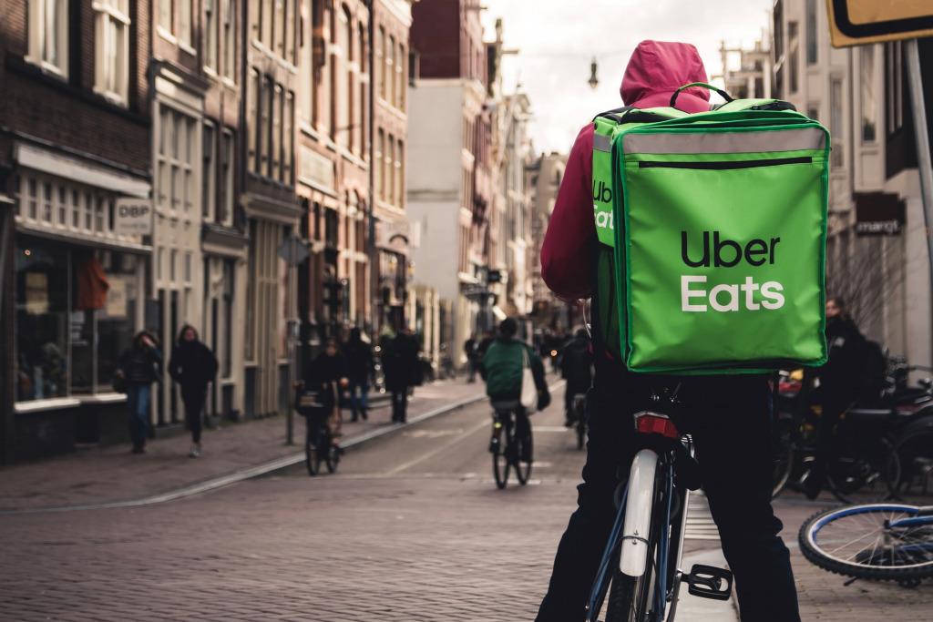 Het nieuwe normaal van de logistiek: 'Automobilisten komen de stad alleen nog op de fiets in' - MT.nl