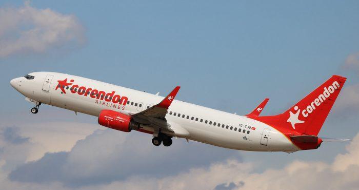 Corendon vliegtuig