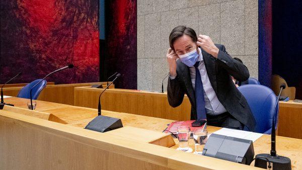 Mark Rutte met mondkapje