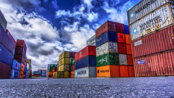 Export-explosie trekt economie uit het slop